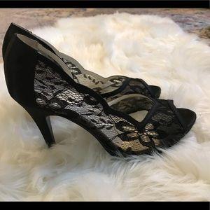 "Lulu Townsend black lace peep toe Size 8 heel 4"""
